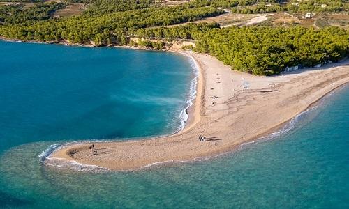 Praia Zlatni Rac na Croácia