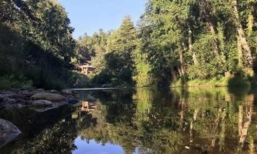 Quinta das Covas junto ao Rio Alvoco