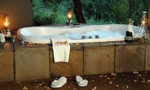 Hotéis com jacuzzi no quarto... Ideias para uma Escapadinha romantica